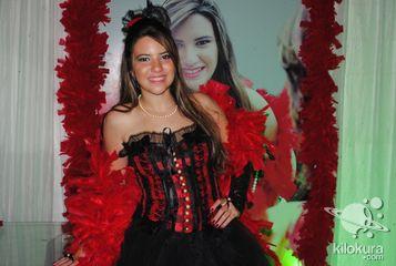 Vitória Guedes Nunes<br> Organização: Buffet Arte e Sabor - 9611-3932<br>Chocolates Finos: Doce Desejo - 9620 - 2228