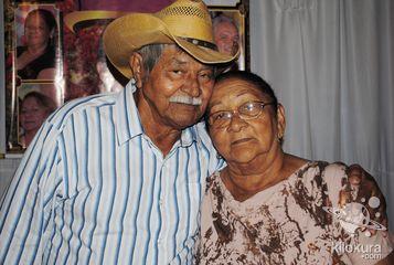 Sr: João Guarda comemora seus 80 anos, Pai do Nosso Inesquecível Negão Juntamente com Seus Familiares e Amigos, na Ocasião Foram Homenageados no Buffet Estação Festa