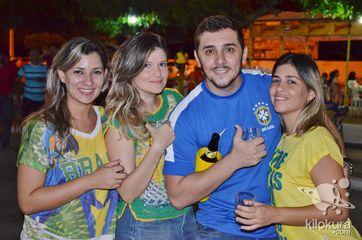 Torcida jaguaribana na transmissão do partida de futebol entre Brasil e México na Copa do Mundo da Fifa 2014