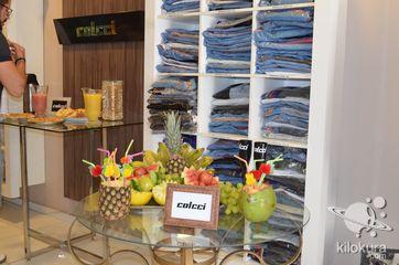 Coquetel de lançamento da marca Colcci na loja Styllus Confecções - Foto 22